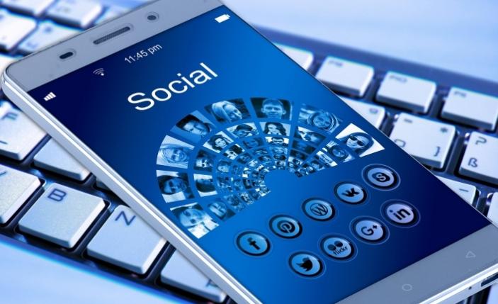 Facebook merakla beklenen özelliği Messenger'e taşıyor