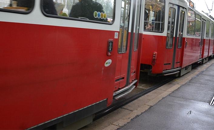 Viyana'da tramvayın çarptığı çocuk hayatını kaybetti