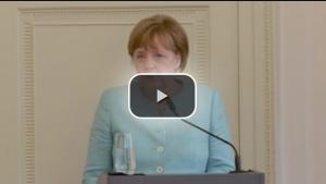 İftara katılan Angela Merkel: Camilere yapılan saldırı bize yapılmıştır